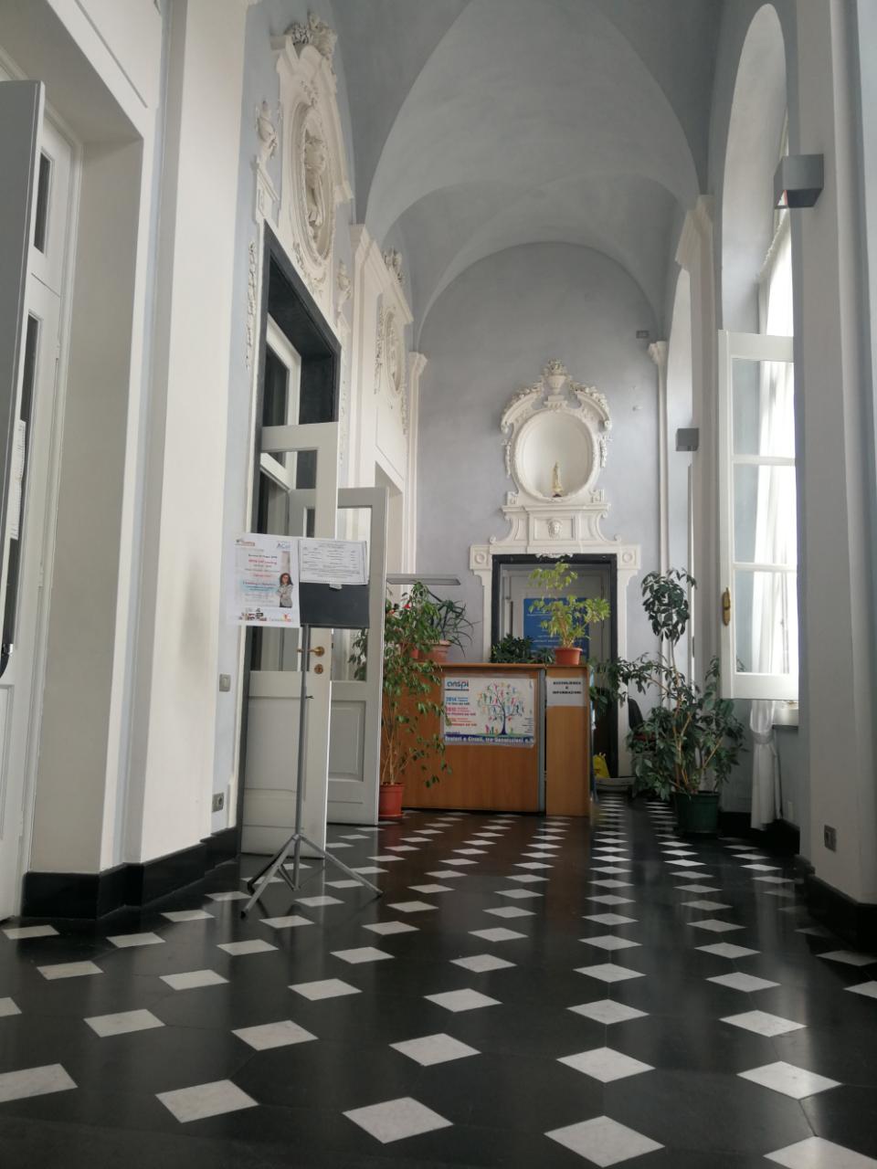 Palazzo Roverizio - L'ingresso alla sala